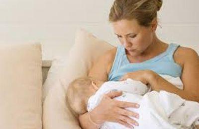 Le caractère naturel de l'allaitement maternel dérange terriblement les idéologues de la vaccination