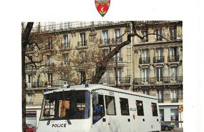 Véhicules & matériels : la gamme Renault-Police en 1990...