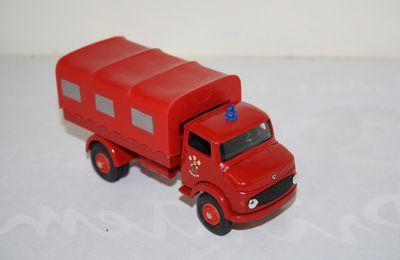 Collector pompiers : Mercedes bâché BSB PORTO au 1/43 (Metosul) par Frédéric R.