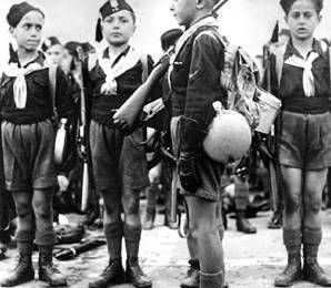 De ce jour, les fascistes désertèrent le bordel. Le fréquenter revenait à se proclamer antifasciste.