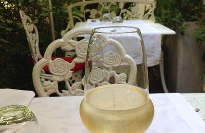 Ils nous refont le coup du premier verre « 1 sur-risque dès le premier verre, au vu de cette nouvelle étude, la recommandation de santé « consommer de l'alcool avec modération » ne tient plus.