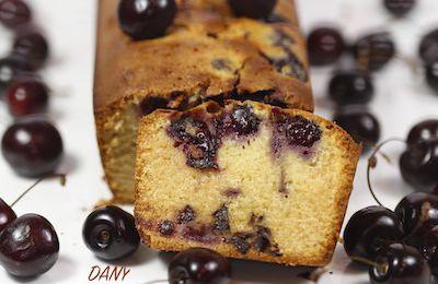 CAKE AUX CERISES AUX DEUX CHOCOLATS