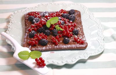 CARRÉ AU CHOCOLAT MENTHE ET FRUITS ROUGES