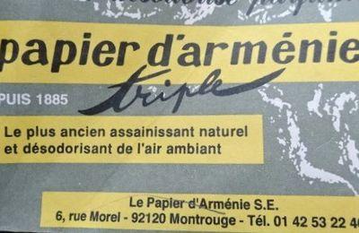 Au fond d'un carton,  du Papier d'Arménie … en livret, en carnet