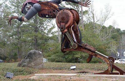 Art récup : présentation du travail de l'artiste Bruce Larsen qui sculpte le métal et le bois de récupération
