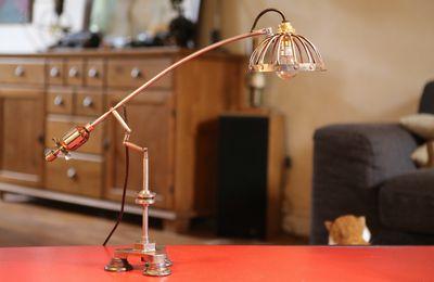 Création lampe articulée unique, art récup, esprit atelier, cage en métal