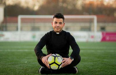 Un comme on les aime ! Père Marcos Torres.
