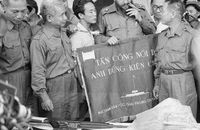 Hommage à Fidel Castro, un révolutionnaire de notre temps (PCF Paris 15)