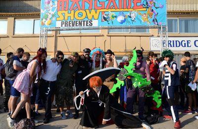 CES MERVEILLEUX FOUS DANS LEUR DROLE DE COSTUMES (1)