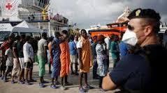 Cagliari:sbarco di altri 651 migranti,i poliziotti:situazione esplosiva e drammatica,a rischio la sicurezza
