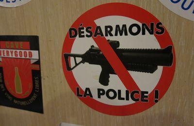"""[Compte-rendu vidéos] St Etienne - """"Désarmons la police"""""""