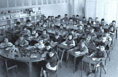 Une petite classe de maternelle en 1955