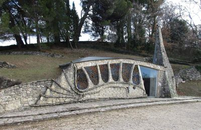 Buoux. La chapelle de la Santonne