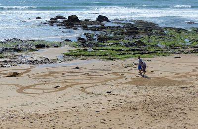 Dessins sur la plage du Tanchet aux Sables d'Olonne