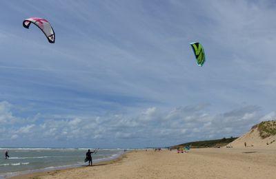 Kytesurf sur la plage du Veillon à Talmont Saint-Hilaire