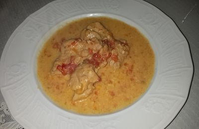 Putencurry mit Kokoscremesosse (low carb )