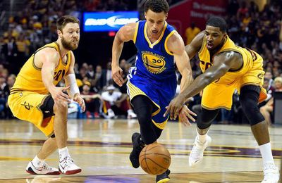NBA FINALS 2015 - GFAME 4 : GOLDEN STATE REPREND LA MAIN