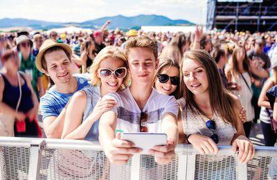 AFFLUENCE Vs INFLUENCE : les festivals de musique et les réseaux sociaux