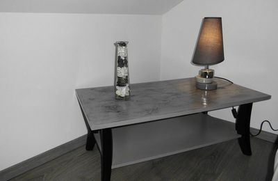 table basse roue de charrette relook 39 meubles 88. Black Bedroom Furniture Sets. Home Design Ideas