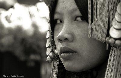 LAOS : ENVIRONS DE PHONGSALY - AKHA