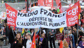 Soutien aux grévistes de Radio-France ! Le pouvoir démasqué dans son entreprise de sabotage du service public de l'information et de la culture.