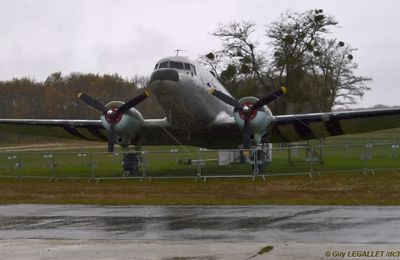 Novembre 2016 : Le DC-3 de l'AJBS est en danger....