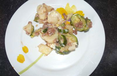 GRATIN COURGETTES/PATATES/VIANDE HACHEE