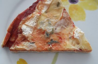 PIZZA AU BRESSE BLEU/BACON
