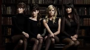 Pretty little liars look