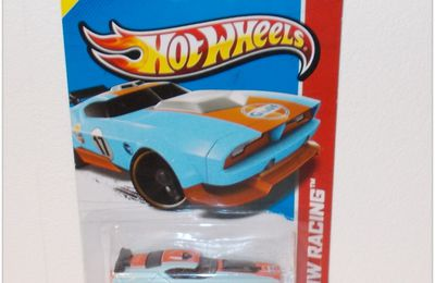 T-HUNT 2013 by Hot Wheels.