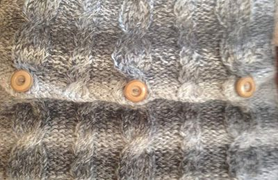 Cable knit cushion cover