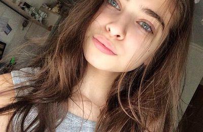 {Adolescence} T'a pas de maquillage ?