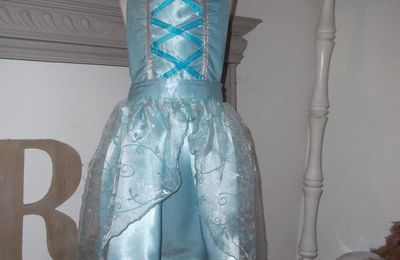 Robe-tablier de princesse