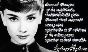 Audrey Hepburn - Castellano