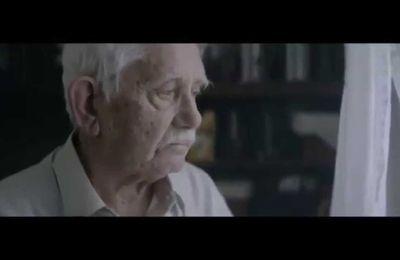 Vidéo: Trés touchant !! Pour revoir ses fils et ses filles, un père annonce sa mort