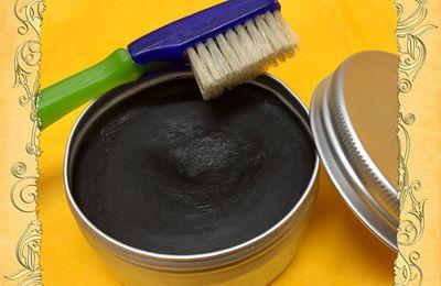 Dentifrice noir pour dents blanches