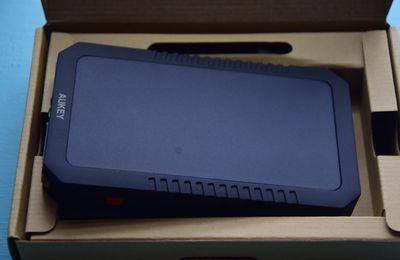 J'ai testé : AUKEY Batterie Externe Solaire 12000mAh Double Port USB