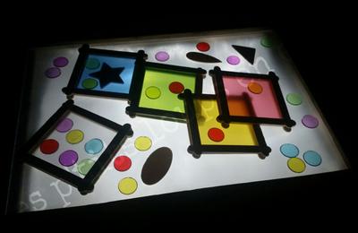 Jeu de couleurs pour table lumineuse