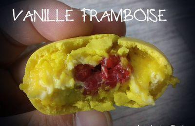 Macaron vanille coeur framboise