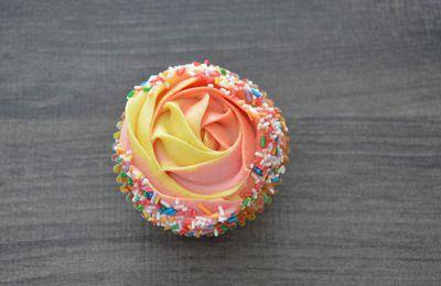 Cupcakes rose-confettis