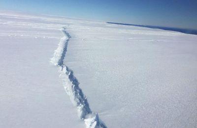 Une gigantesque fissure de 44 km dans la banquise de l'Antartique