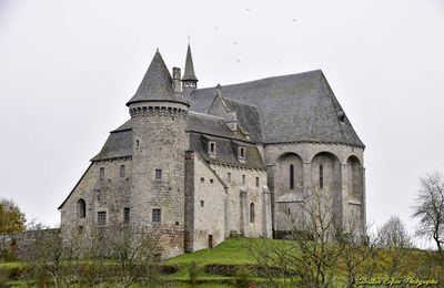 Prieuré Saint-Michel des Anges à Saint-Angel en Corrèze