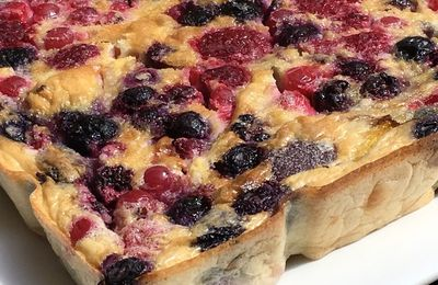 Clafoutis aux fruits rouges et nectarines
