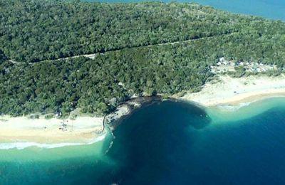 Un trou géant avale un camping en Australie