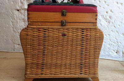 Ancien tabouret de pêcheur en rotin, boîte à trésor, tabouret enfant vintage