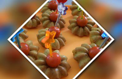 Minis cakes aux herbes et sa tomate cerise
