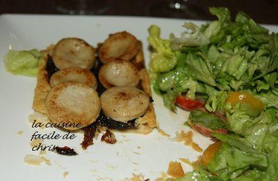 Tarte fine au boudin blanc et confit d'oignons