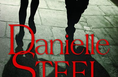 *AGENT SECRET* Danielle Steel* Presses de la Cité, distribué par Interforum* par Lynda Massicotte*