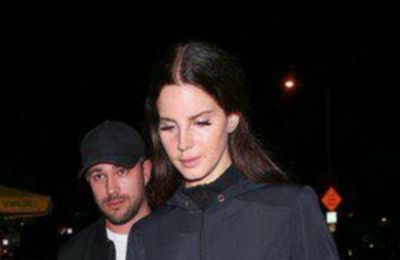 Lana Del Rey aperçue à Hollywood (12/09/2017)
