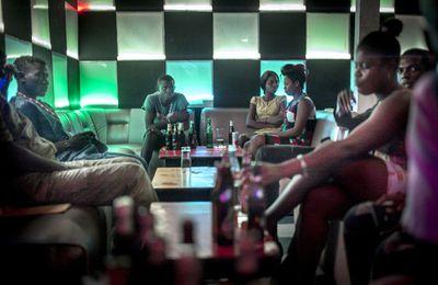 CENTRAFRIQUE : « De quoi sera fait l'avenir de la RCA ? », question débattue par un couple dans un bistrot à Bangui